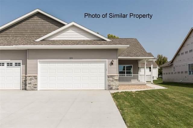 1605 Petrus Drive NE, Cedar Rapids, IA 52402 (MLS #2102749) :: The Graf Home Selling Team