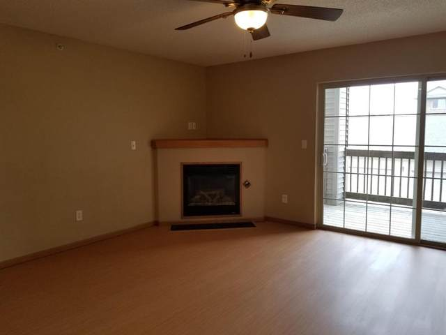 650 Colton Circle NE #7, Cedar Rapids, IA 52402 (MLS #2102831) :: The Graf Home Selling Team