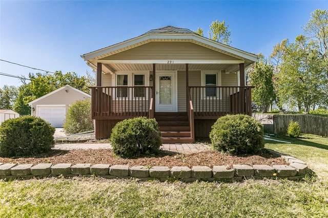 291 28th Ave Sw, Cedar Rapids, IA 52404 (MLS #2102832) :: The Graf Home Selling Team