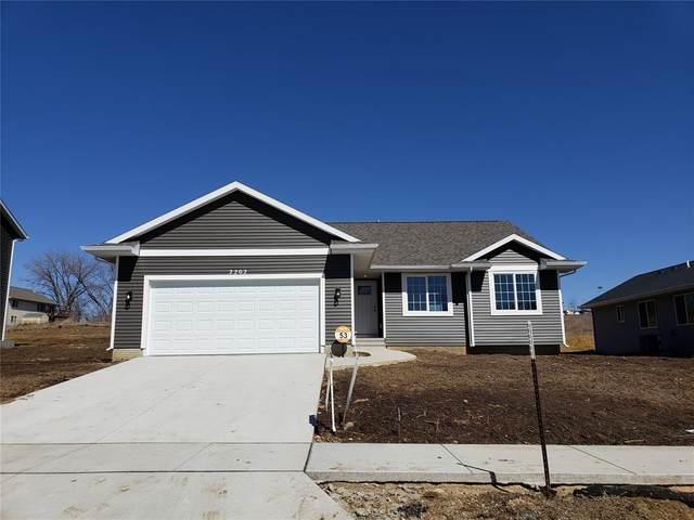 1213 Beringer Court NE, Cedar Rapids, IA 52402 (MLS #2102857) :: The Graf Home Selling Team
