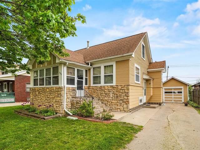 325 11th St Sw, Cedar Rapids, IA 52404 (MLS #2102869) :: The Graf Home Selling Team