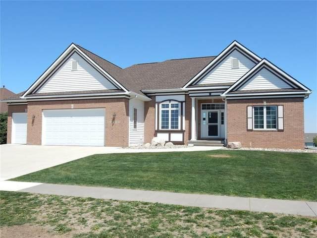5735 Woodbridge Crest, Marion, IA 52302 (MLS #2102877) :: The Graf Home Selling Team