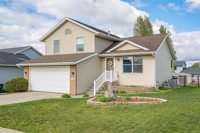 3700 Monarch Drive SW, Cedar Rapids, IA 52404 (MLS #2102927) :: The Graf Home Selling Team