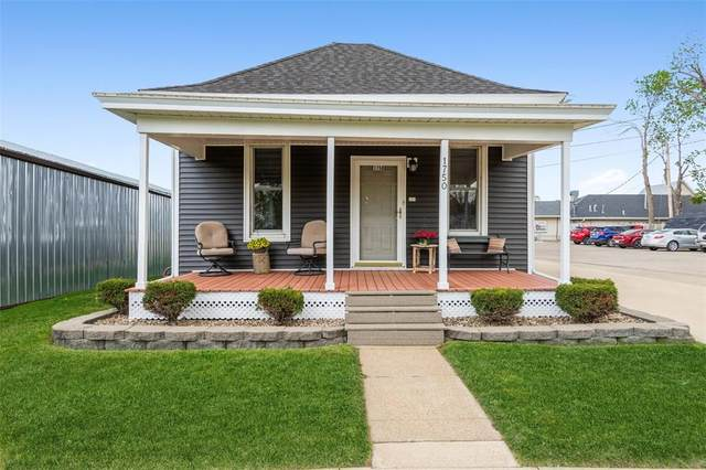 1750 5th Avenue, Marion, IA 52302 (MLS #2102956) :: The Graf Home Selling Team