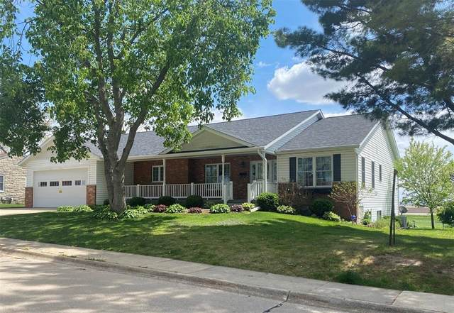 110 7th Street SE, Mt Vernon, IA 52314 (MLS #2102971) :: The Graf Home Selling Team