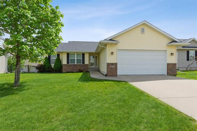 5811 Wheatland Drive SW, Cedar Rapids, IA 52404 (MLS #2102973) :: The Graf Home Selling Team