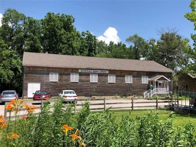 4503 F Street, Amana, IA 52203 (MLS #2102977) :: The Graf Home Selling Team