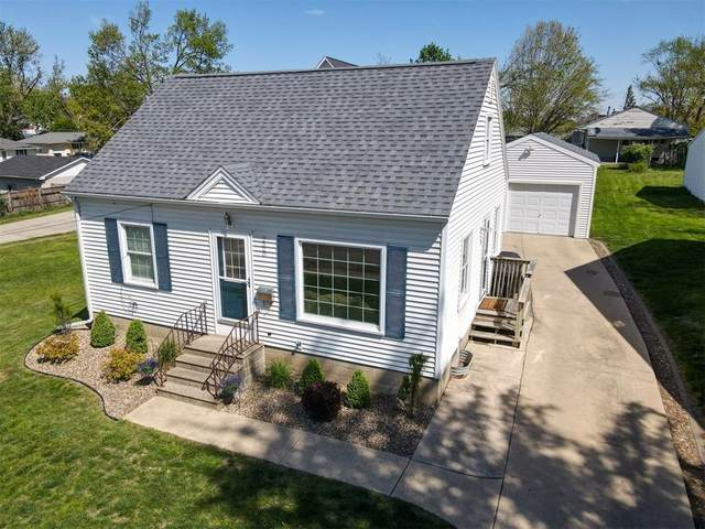 2520 Mt Vernon Rd SE, Cedar Rapids, IA 52403 (MLS #2102992) :: The Graf Home Selling Team