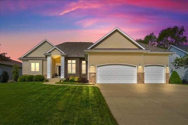 425 Phaeton Drive, Robins, IA 52328 (MLS #2103027) :: The Graf Home Selling Team