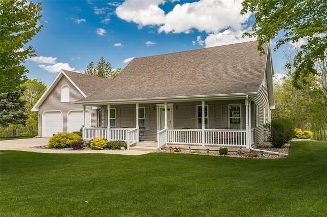 10238 Red Fox Road, Anamosa, IA 52205 (MLS #2103091) :: The Graf Home Selling Team
