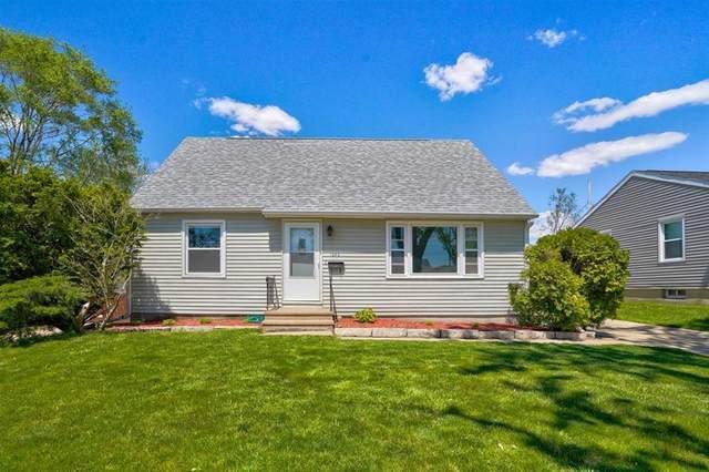 1642 Arizona Avenue NE, Cedar Rapids, IA 52402 (MLS #2103092) :: The Graf Home Selling Team