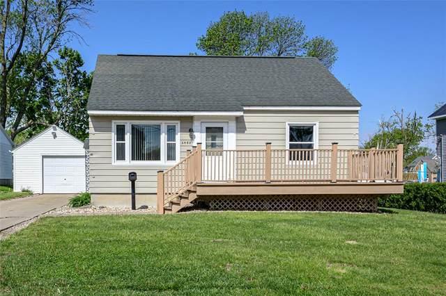 2480 1st Street SW, Cedar Rapids, IA 52404 (MLS #2103094) :: The Graf Home Selling Team