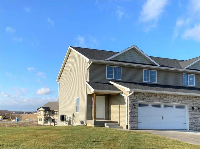 902 Creekside Drive, Tiffin, IA 52340 (MLS #2103354) :: The Graf Home Selling Team