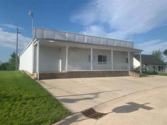 101 Fisher Street, Hiawatha, IA 52233 (MLS #2103423) :: The Graf Home Selling Team