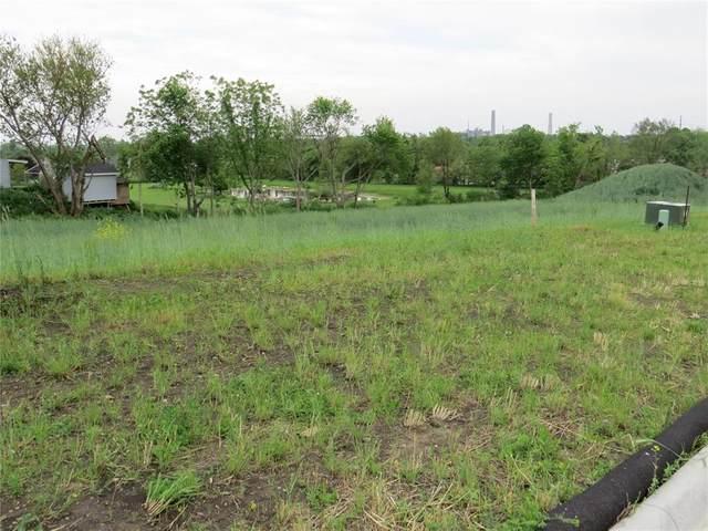 3321 SW Sokol Lane SW, Cedar Rapids, IA 52404 (MLS #2103572) :: The Graf Home Selling Team