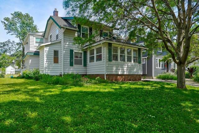390 25th Street SE, Cedar Rapids, IA 52403 (MLS #2103578) :: The Graf Home Selling Team