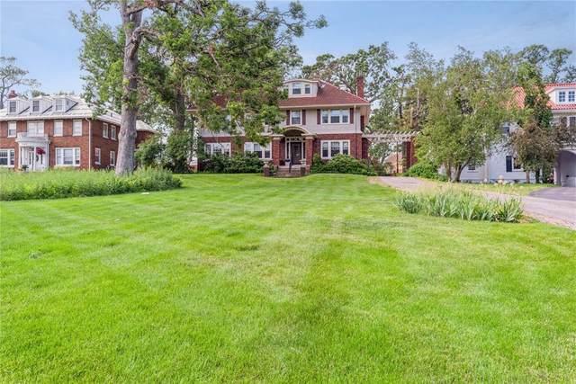 2325 Grande Avenue SE, Cedar Rapids, IA 52403 (MLS #2103832) :: The Graf Home Selling Team