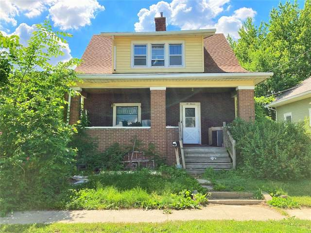 611 D Ave, Vinton, IA 52349 (MLS #2103914) :: The Graf Home Selling Team