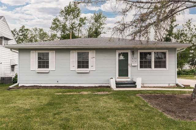 236 19th Street NW, Cedar Rapids, IA 52405 (MLS #2103922) :: The Graf Home Selling Team