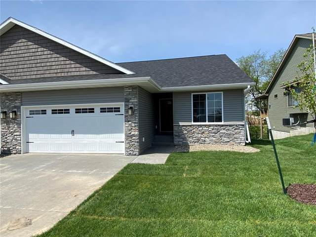 710 Creekside Drive, Tiffin, IA 52340 (MLS #2103933) :: The Graf Home Selling Team