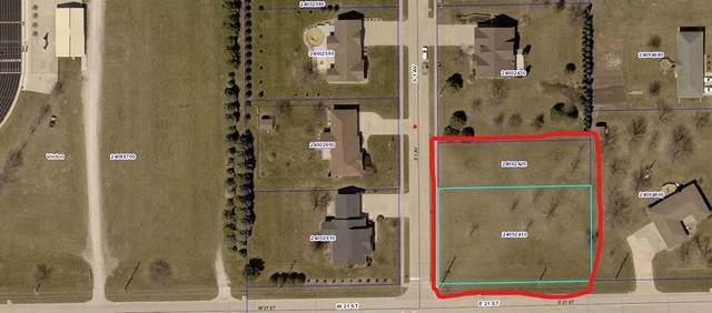 First Avenue S, Vinton, IA 52349 (MLS #2103944) :: The Graf Home Selling Team