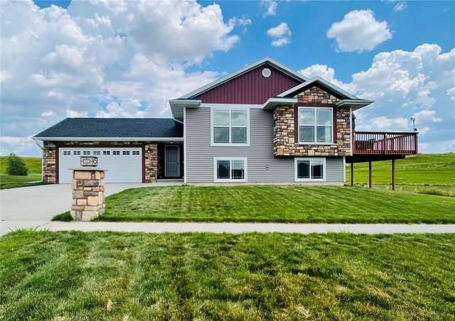 173 Kenton Way, Williamsburg, IA 52361 (MLS #2104011) :: The Graf Home Selling Team