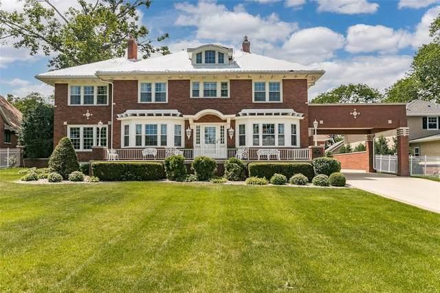 2249 Grande Avenue SE, Cedar Rapids, IA 52403 (MLS #2104025) :: The Graf Home Selling Team