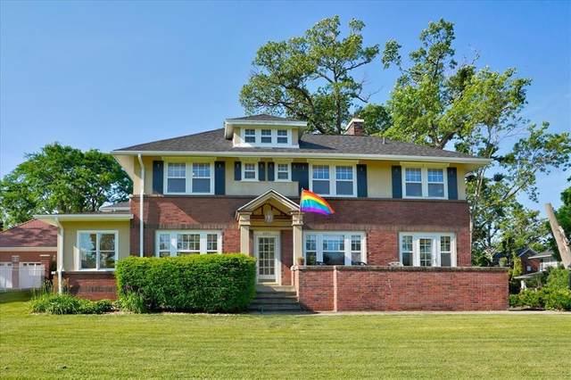 2241 Grande Avenue SE, Cedar Rapids, IA 52403 (MLS #2104040) :: The Graf Home Selling Team