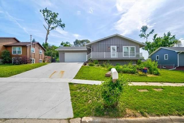 1637 27th NW, Cedar Rapids, IA 52405 (MLS #2104098) :: The Graf Home Selling Team