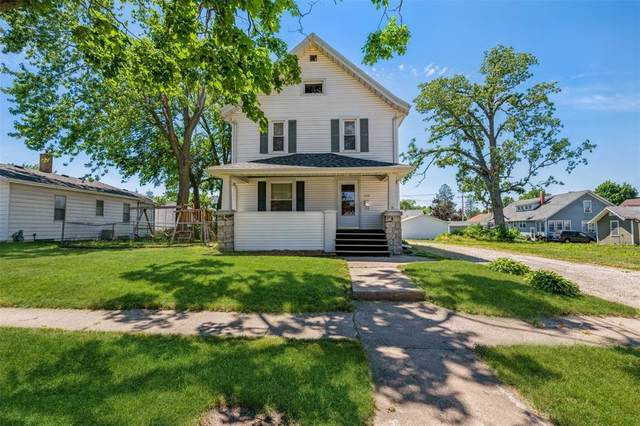 440 8th Street, Marion, IA 52302 (MLS #2104102) :: The Graf Home Selling Team