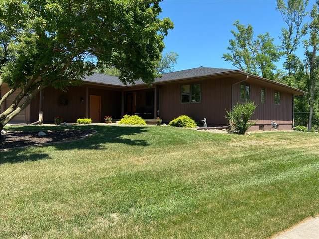 2720 Forest Ridge Court SE, Cedar Rapids, IA 52403 (MLS #2104119) :: The Graf Home Selling Team