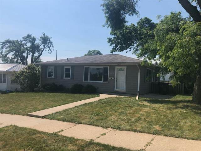 3515 Dennis Drive NW, Cedar Rapids, IA 52405 (MLS #2104121) :: The Graf Home Selling Team