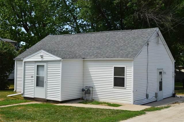 605 E 2nd Street, Vinton, IA 52349 (MLS #2104161) :: The Graf Home Selling Team
