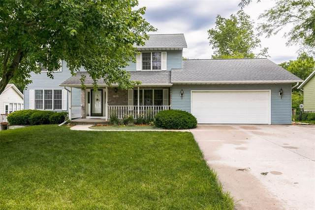 1925 Liberty Ln, Coralville, IA 52241 (MLS #2104405) :: The Graf Home Selling Team