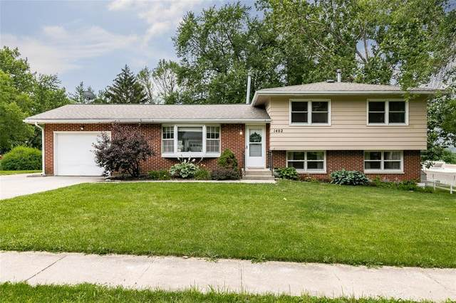 1402 10th Street, Coralville, IA 52241 (MLS #2104723) :: The Graf Home Selling Team