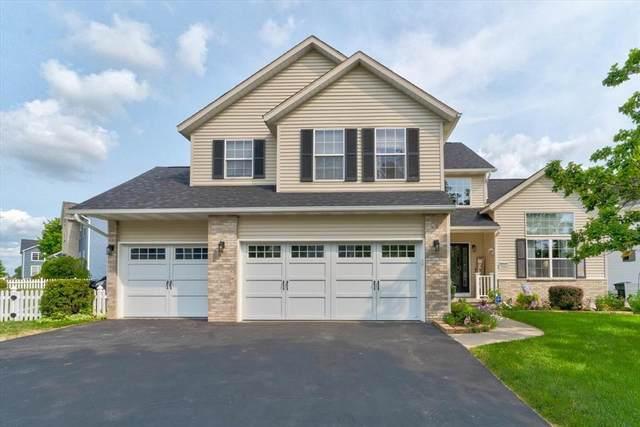7920 Foxfield NE, Cedar Rapids, IA 52402 (MLS #2104773) :: The Graf Home Selling Team
