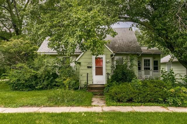 927 4th Avenue, Iowa City, IA 52240 (MLS #2104853) :: The Graf Home Selling Team