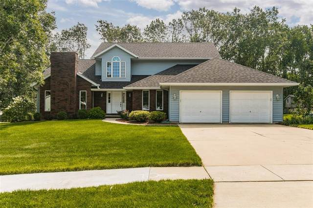 4450 Woodsmill Drive NE, Cedar Rapids, IA 52411 (MLS #2105002) :: The Graf Home Selling Team
