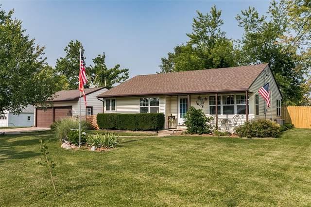 1605 Oakland Road NE, Cedar Rapids, IA 52402 (MLS #2105005) :: The Graf Home Selling Team