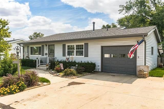 1135 Terrace St, Marion, IA 52302 (MLS #2105011) :: Lepic Elite Home Team