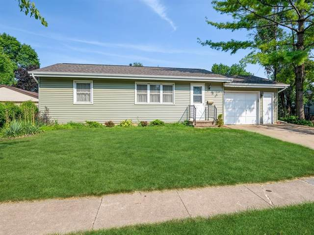 1100 Linnview Drive, Marion, IA 52302 (MLS #2105058) :: The Graf Home Selling Team