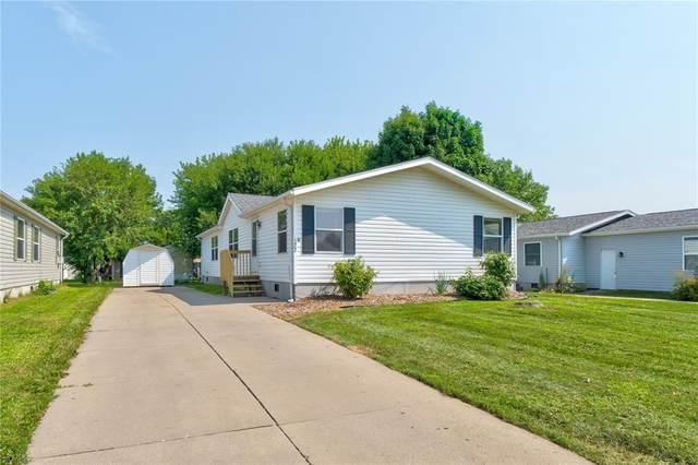 122 Paddock Circle, Iowa City, IA 52240 (MLS #2105095) :: The Graf Home Selling Team