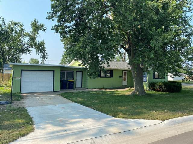 303 West Willman Street, Hiawatha, IA 52233 (MLS #2105096) :: The Graf Home Selling Team