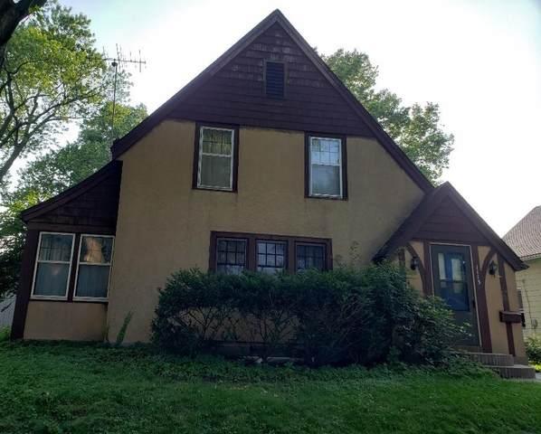 1113 S 6th Street, Burlington, IA 52601 (MLS #2105111) :: The Graf Home Selling Team