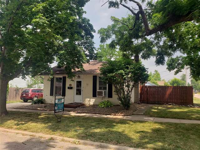 415 6th Street, Marion, IA 52302 (MLS #2105168) :: The Graf Home Selling Team