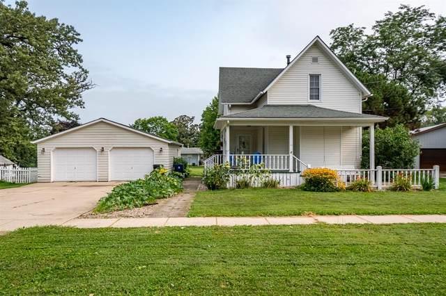 532 E 4th Street, Tipton, IA 52772 (MLS #2105175) :: The Graf Home Selling Team