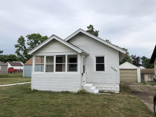 3005 E Avenue NE, Cedar Rapids, IA 52402 (MLS #2105325) :: The Graf Home Selling Team
