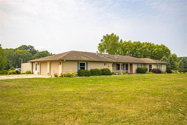 10487 Shaw Road, Anamosa, IA 52205 (MLS #2105327) :: The Graf Home Selling Team