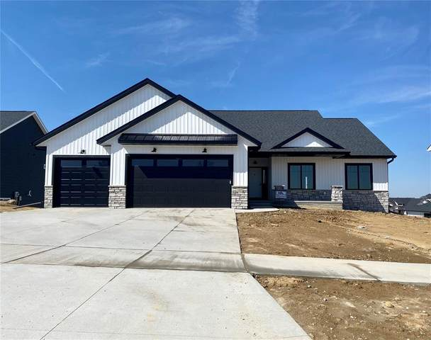1601 Green Oak Pass, Tiffin, IA 52340 (MLS #2105595) :: The Graf Home Selling Team