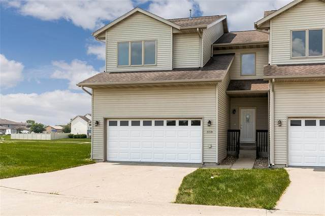 1591 Pond's Edge Court, North Liberty, IA 52317 (MLS #2105706) :: The Graf Home Selling Team